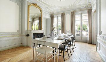 Sale - Apartment Paris 8th