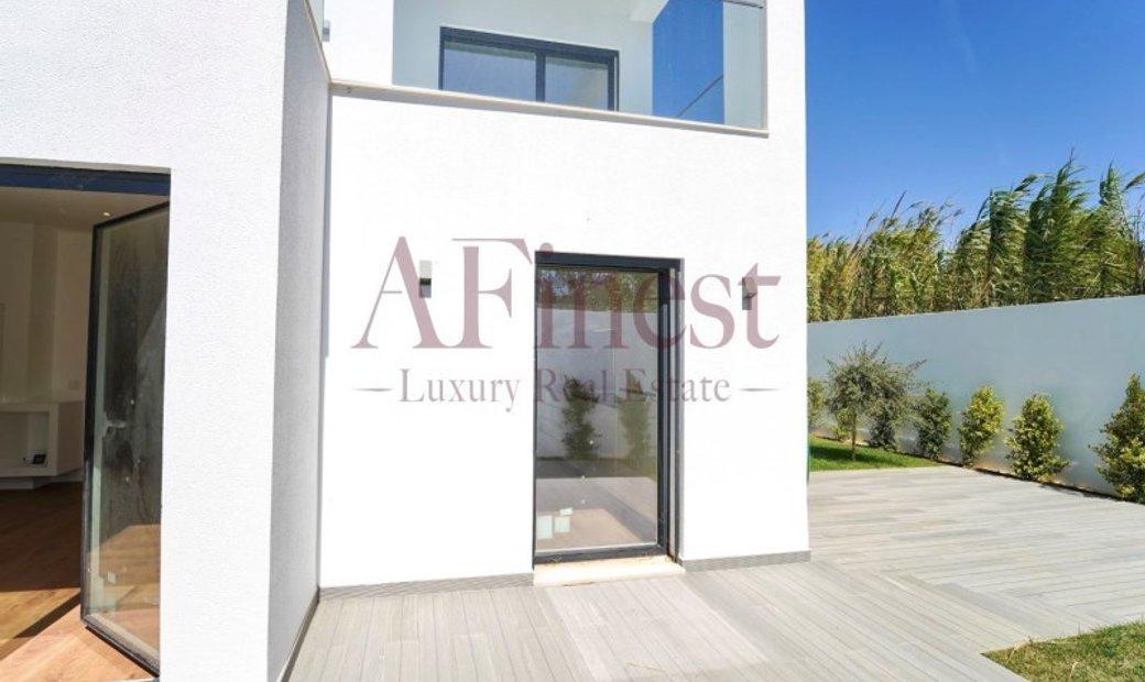Modern contemporary Villa T4 + 1 Cascais