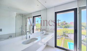 Villa T4+1 in Bicesse with GUARANTEED INCOME.