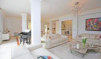 Villa  for sell in New Golden Mile, Málaga