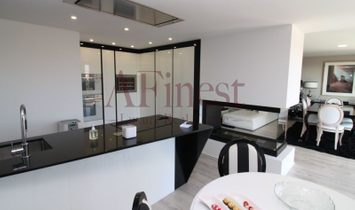 Apartment 2 bedrooms Triplex with 300 in Singapore