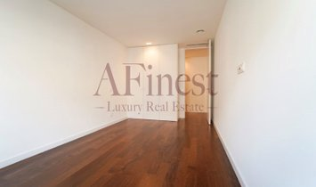 T5 apartment with 245 m2 in New Avenues.