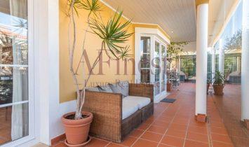 4 bedroom villa in Penha Longa