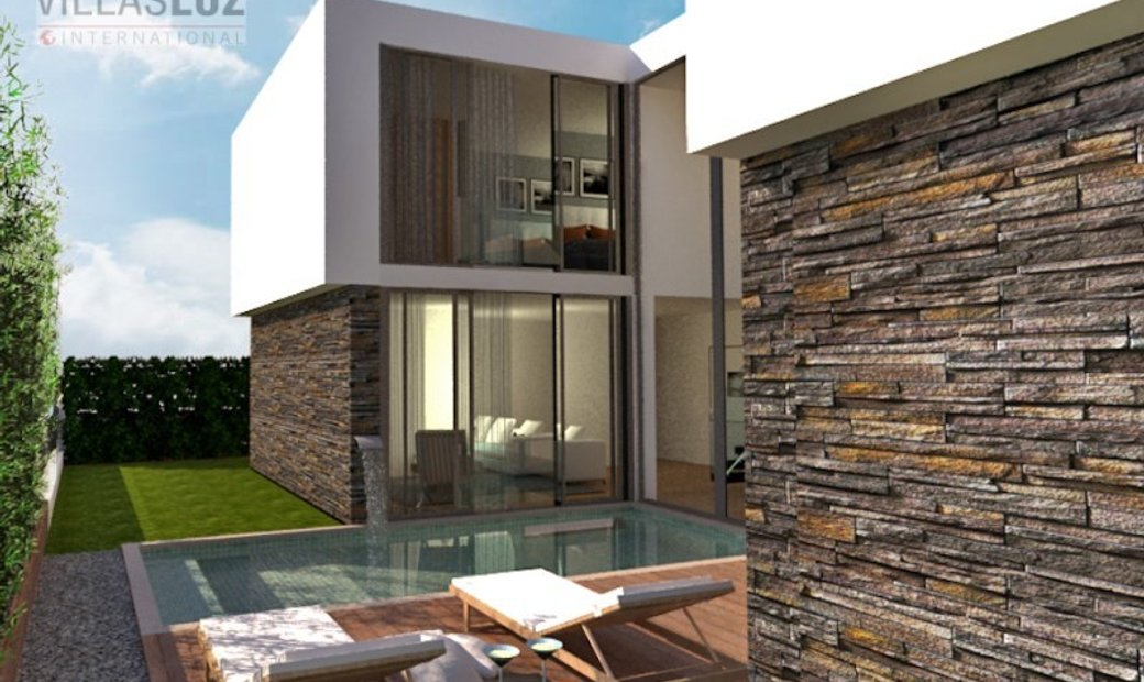 Luxury house under construction, with swimming pool - Pêra