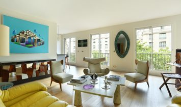 Sale - Apartment Paris 8th (Champs-Élysées)