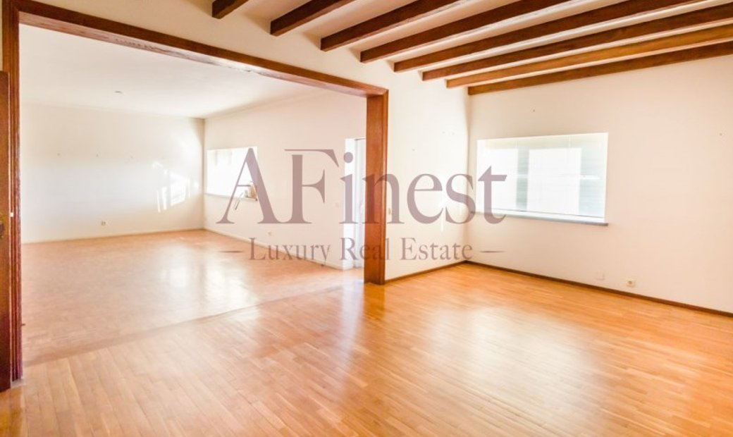 T5 apartment in the neighborhood of Rosario, Cascais