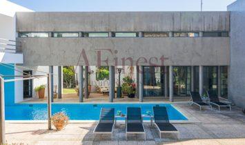 Villa T6 with a magnificent architecture in Birre