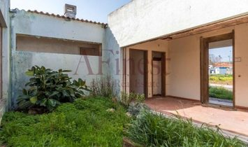 Excellent villa for refurbing in Cascais