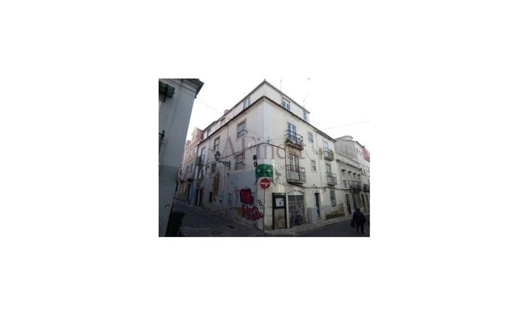 4-storey building-Mercês/Lisboa