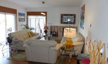Excellent Contemporary Villa in Silver Coast
