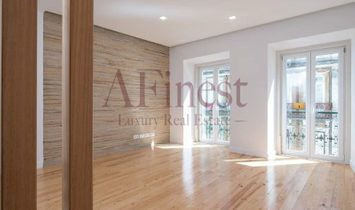 Excellent apartment T3 Duplex in the heart of Lisbon
