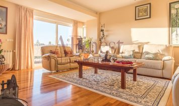 Excellent Villa T5 + 1 with sea view
