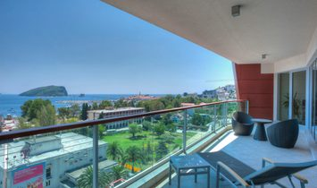 Spacious 3-bedroom apartment near waterfront in the center of Budva, Montenegro