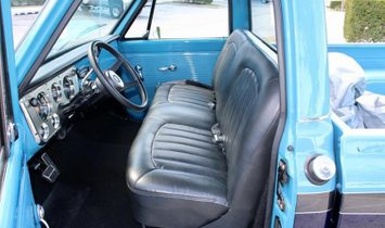 Chevrolet CST 10