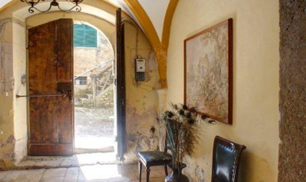 Farmstead / Courtyard for sale in Casalvieri