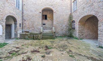 Castle for sale in Arezzo