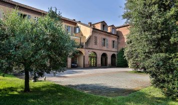 Farmstead / Courtyard for sale in Portacomaro