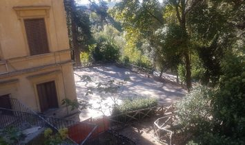 Farmstead / Courtyard for sale in Arpino