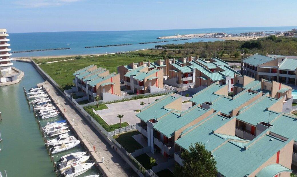 Single house for sale in Montenero di Bisaccia