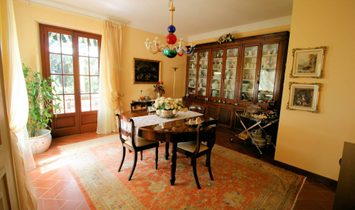 Single house for sale in Lucca