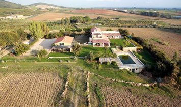 Mansion house for sale in Capalbio