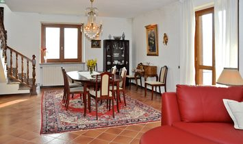 Mansion house for sale in Santo Stefano Belbo