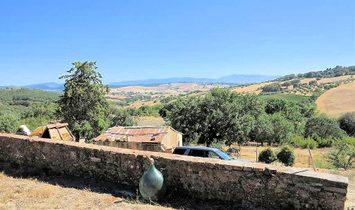 Farmstead / Courtyard for sale in Magliano in Toscana