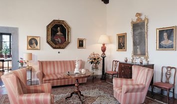 NOBLE HISTORIC VILLA 30 MINUTES FROM FLORENCE