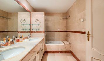luxury apartment beach side in Jardines del Mediterraneo Marbella