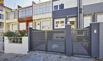 Terraced House, 4 Bedrooms, For Sale