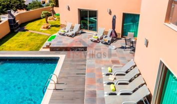 Contemporary 4 bedroom villa with sea view and pool - Olhao