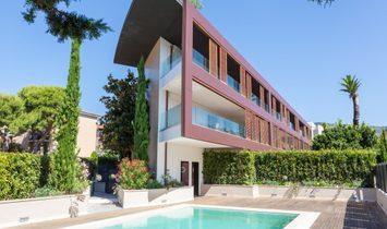 Sale - Apartment Saint-Jean-Cap-Ferrat (VILLAGE)