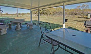 3 Bedrooms Farm/Ranch/Plantation
