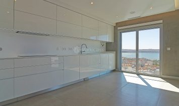 Apartment 4 Bedrooms For sale Oeiras