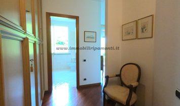 VILLA SINGOLA in vendita a Garbagnate Monastero