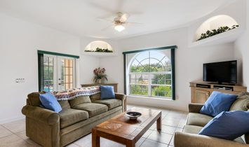 Open And Bright Home In Perfect Location