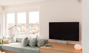 Open and bright apartment in De Haan