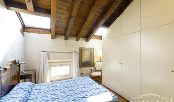 Apartment in nineteenth-century building in the center of Brescia