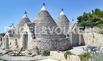 Characteristic complex of Trulli in Valle D'Itria