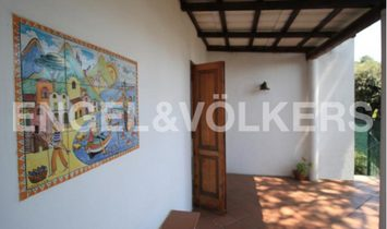 Splendid sea-view Villa in Gaeta