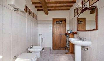 "STUNNING HOUSE IN UMBRIA FOR SALE – ""CASALE FRASCHETTE"""