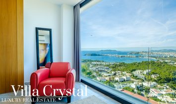 Villa Crystal: experience luxury in all its forms. Modern villa with breathtaking view