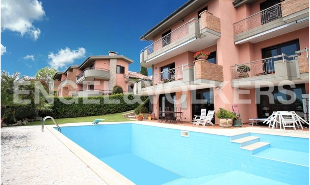 Exclusive sea-view Villa with pool in Formia