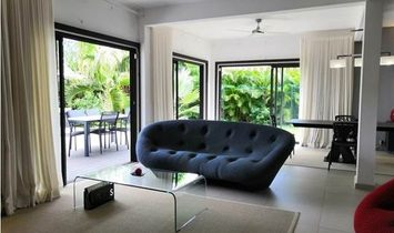 BEAUTIFUL FURNISHED 4 BEDROOMS VILLA CLOSE TO THE BEACH FOR RESALE IN TROU AUX BICHES – MAURITIUS