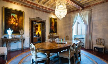 Prestigious 15th century villa in the most  exclusive side of the hills of Fiesole