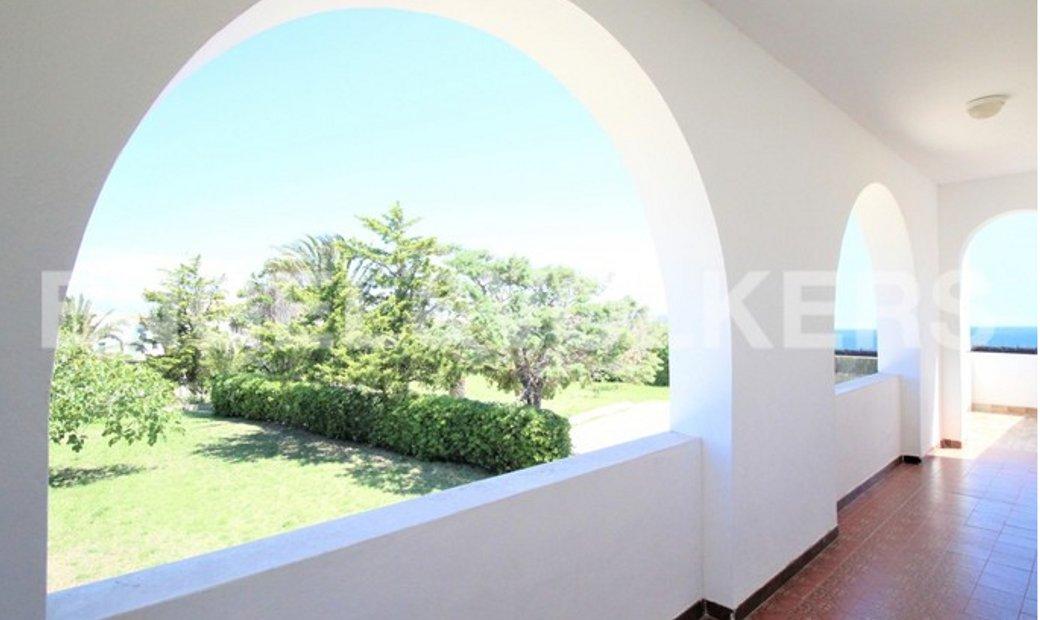 Wonderful Villa facing the beach of Cala Nave in Ventotene