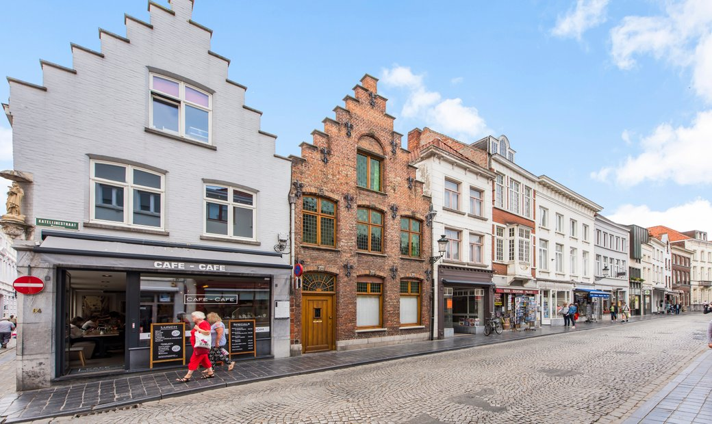Authentic home with potential in Bruges