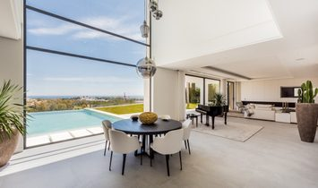 Spectacular contemporary villa with amazing panoramic views
