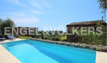 Wonderful Villa with pool, garden and B&B in Itri