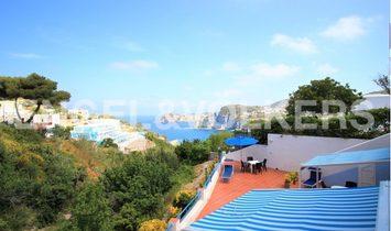 Splendid Villa of four apartments facing the sea of Ponza